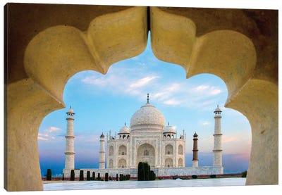 Taj Mahal exterior view, Agra, Uttar Pradesh, India Canvas Art Print