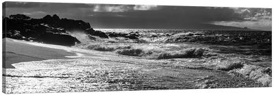 Black And White Landscape With Beach And Waves In Sea, Maui, Hawaii Islands, USA Canvas Art Print