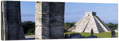 El Castillo (Temple Of Kukulcan), Chichen Itza, Yucatan, Mexico Canvas Art Print
