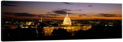 Government building lit up at nightUS Capitol Building, Washington DC, USA Canvas Art Print