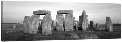 England, Wiltshire, Stonehenge (black & white) Canvas Print #PIM194bw