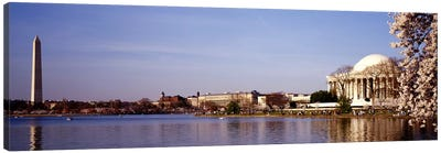 USA, Washington DC, Washington Monument and Jefferson Memorial, Tourists outside the memorial Canvas Art Print