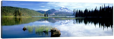 Cascade Mountains, Oregon, USA Canvas Art Print