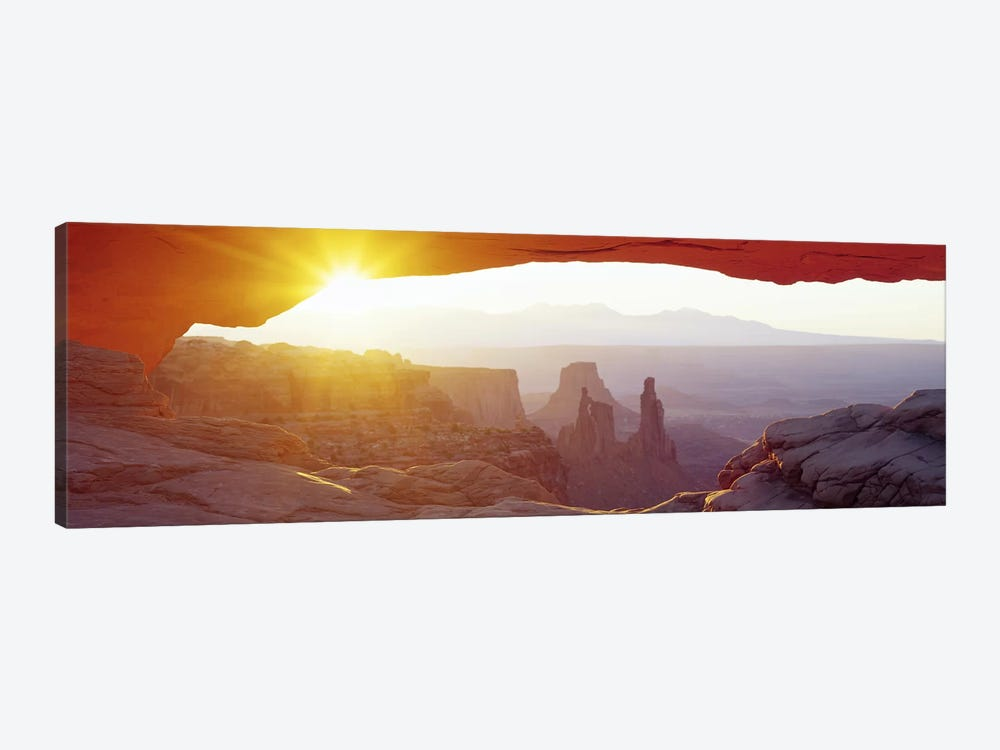 Sunrise View Through Mesa Arch Canyonlands National Park Uta Icanvas