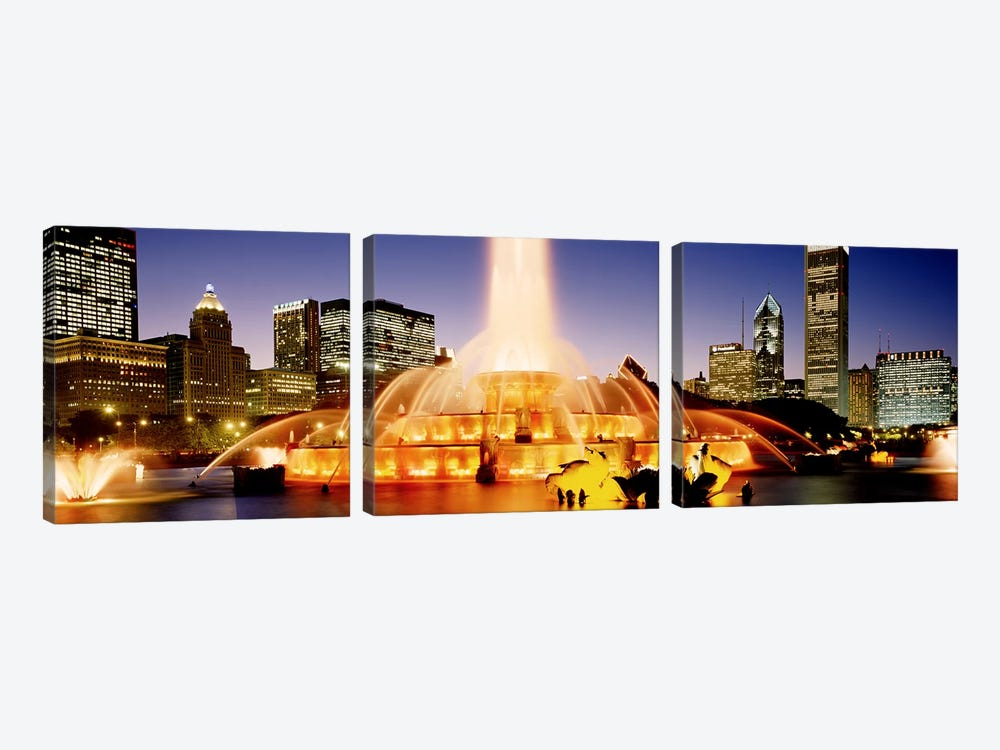 Buckingham Fountain At Dusk, Chicago, Cook County, Illinois, USA by Panoramic Images 3-piece Canvas Art