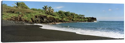 Black Sand Beach, Waiʻanapanapa State Park, Maui, Hawai'i, USA Canvas Art Print