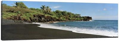 Black Sand Beach, Waiʻanapanapa State Park, Maui, Hawai'i, USA Canvas Art Print