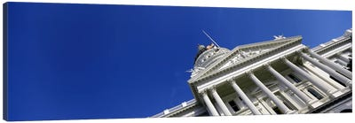 Low angle view of a government buildingCalifornia State Capitol Building, Sacramento, California, USA Canvas Art Print