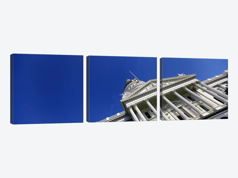 Low angle view of a government buildingCalifornia State Capitol Building, Sacramento, California, USA by Panoramic Images 3-piece Art Print