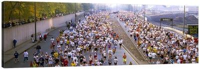 Crowd running in a marathonChicago Marathon, Chicago, Illinois, USA Canvas Art Print