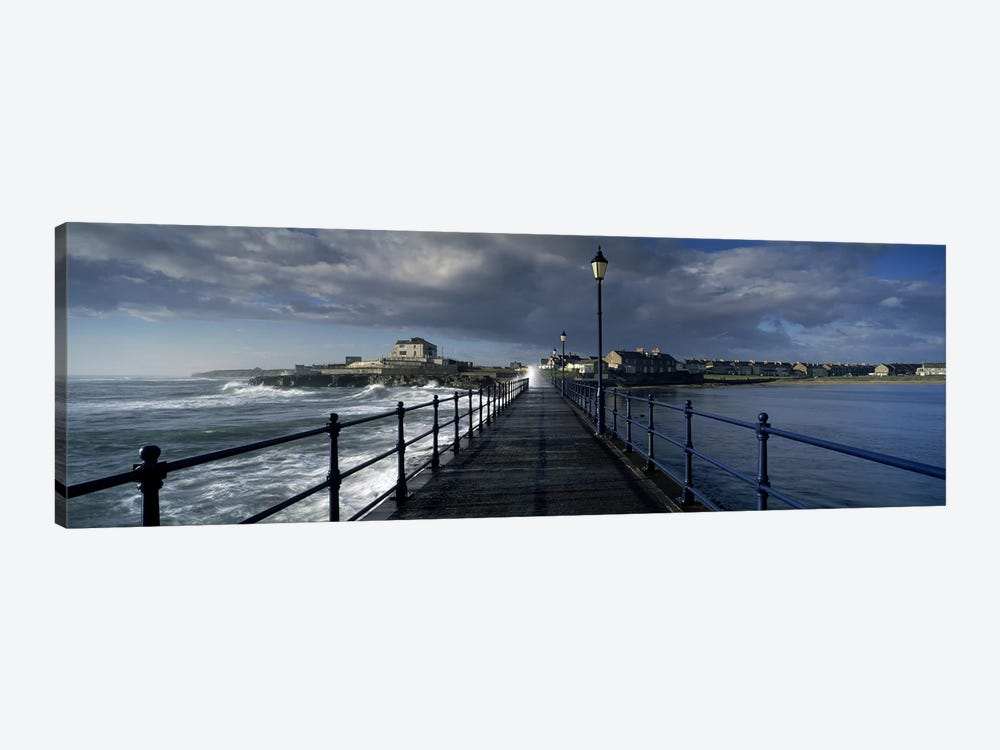 Crashing Waves On A Cloudy Day, Amble, Northumberland, England 1-piece Canvas Artwork