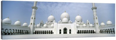 Low angle view of a mosque, Sheikh Zayed Mosque, Abu Dhabi, United Arab Emirates Canvas Art Print