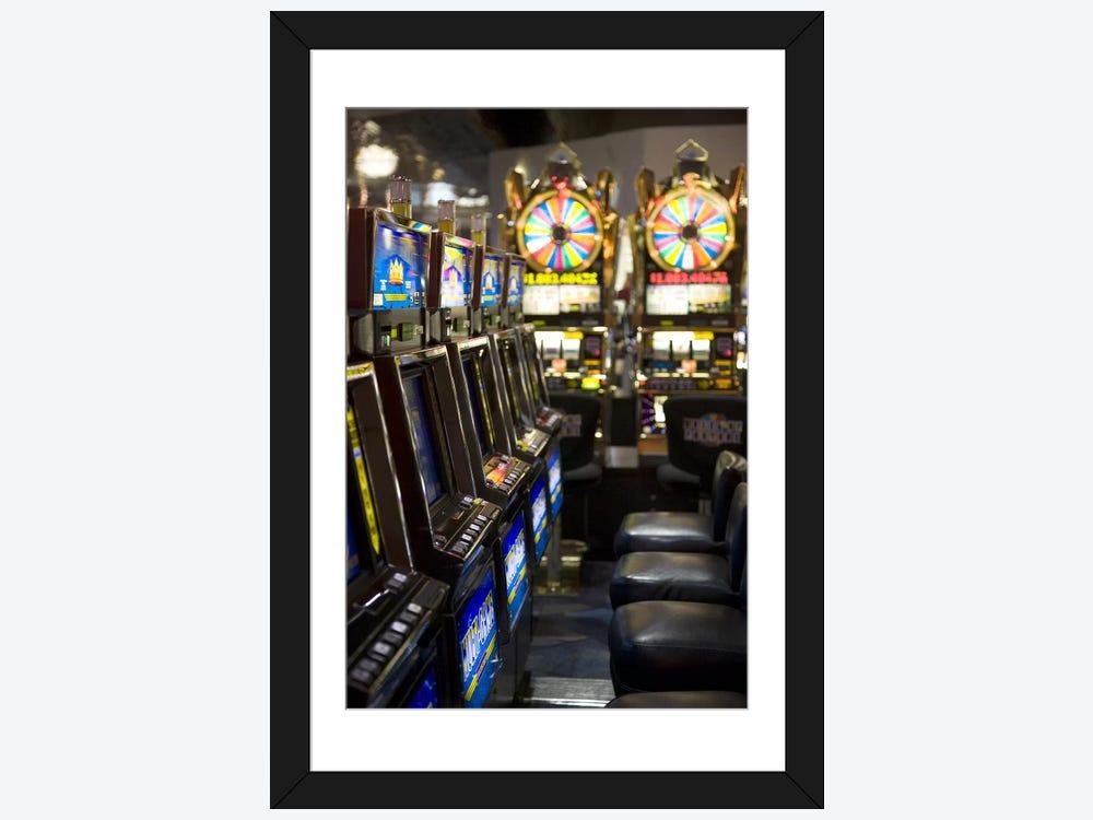 Slot machines at an airport mccarran international for Mundial decor international nv