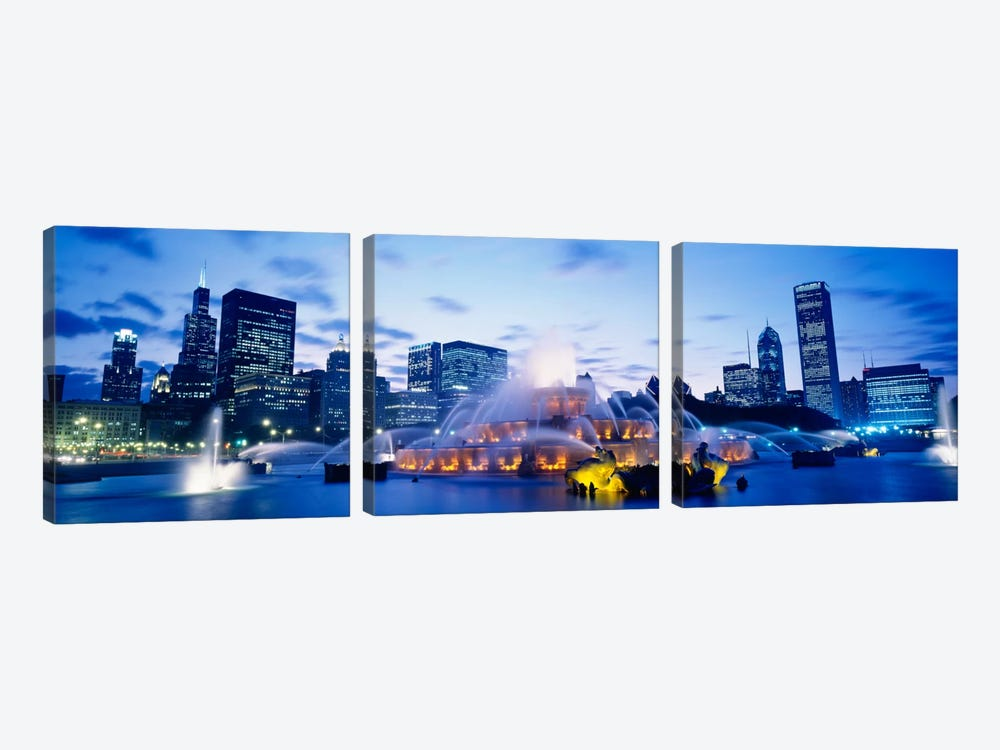 Buckingham Fountain At Twilight, Grant Park, Chicago, Illinois, USA by Panoramic Images 3-piece Canvas Print