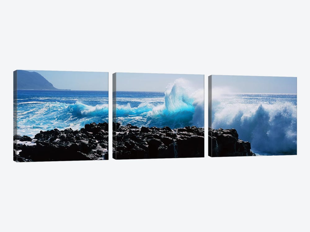 Waves breaking on rocks 3-piece Canvas Print