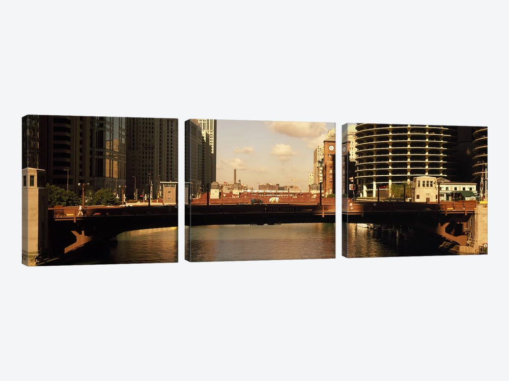 Buildings at the waterfront, Marina Towers, Chicago River, Chicago, Cook County, Illinois, USA by Panoramic Images 3-piece Canvas Print