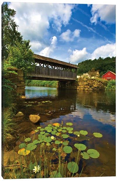 Covered Pedestrian Bridge Over Joes Brook, West Danville, Vermont, USA Canvas Art Print