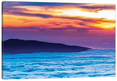 Hualalai Volcano from the summit of Mauna Kea at sunset, Big Island, Hawaii, USA Canvas Art Print
