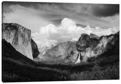 Yosemite Valley from Tunnel View, Yosemite National Park, California, USA. Canvas Art Print