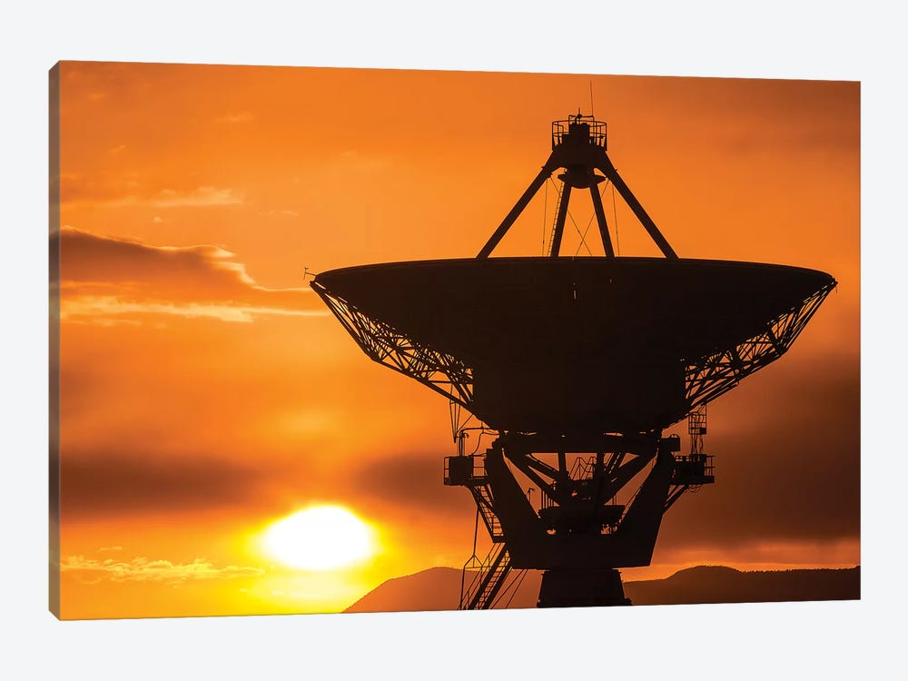 Radio telescope at sunset, Socorro, New Mexico, USA by Russ Bishop 1-piece Canvas Print