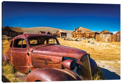 Rusted car and buildings, Bodie State Historic Park, California, USA Canvas Art Print