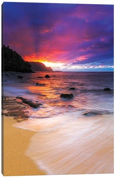 Sunset over the Na Pali Coast from Hideaways Beach, Princeville, Kauai, Hawaii, USA Canvas Art Print