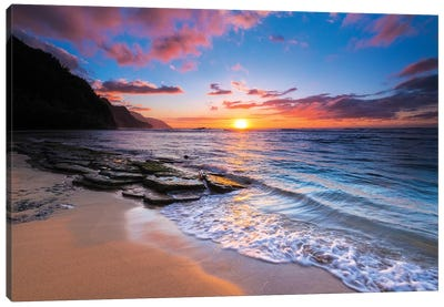 Sunset over the Na Pali Coast from Ke'e Beach, Haena State Park, Kauai, Hawaii, USA I Canvas Art Print