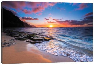Sunset over the Na Pali Coast from Ke'e Beach, Haena State Park, Kauai, Hawaii, USA I Canvas Art Print