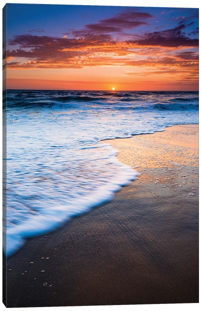 Sunset over the Pacific Ocean from Ventura State Beach, Ventura, California, USA Canvas Art Print