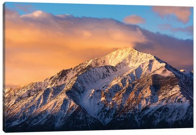 Winter sunrise on Mount Tom, Inyo National Forest, Sierra Nevada Mountains, California, USA Canvas Art Print