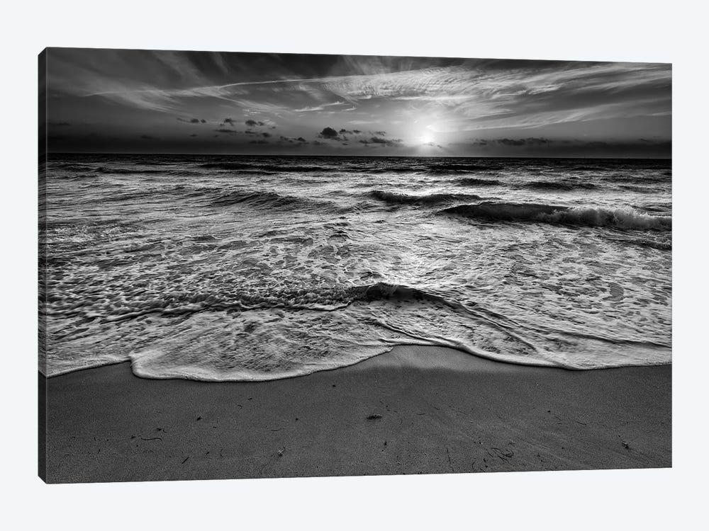 Sunrise On South Beach Black And White by Rick Berk 1-piece Canvas Art