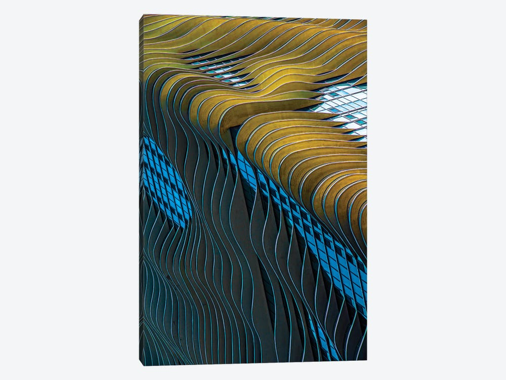 Aqua Building, Chicago by Raymond Kunst 1-piece Canvas Artwork