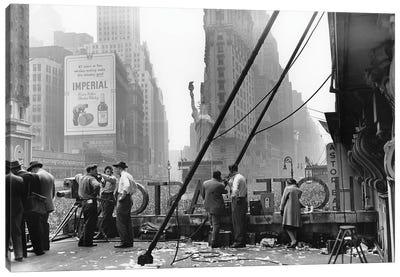 V-E Day (Times Square, NYC 1945) Canvas Art Print