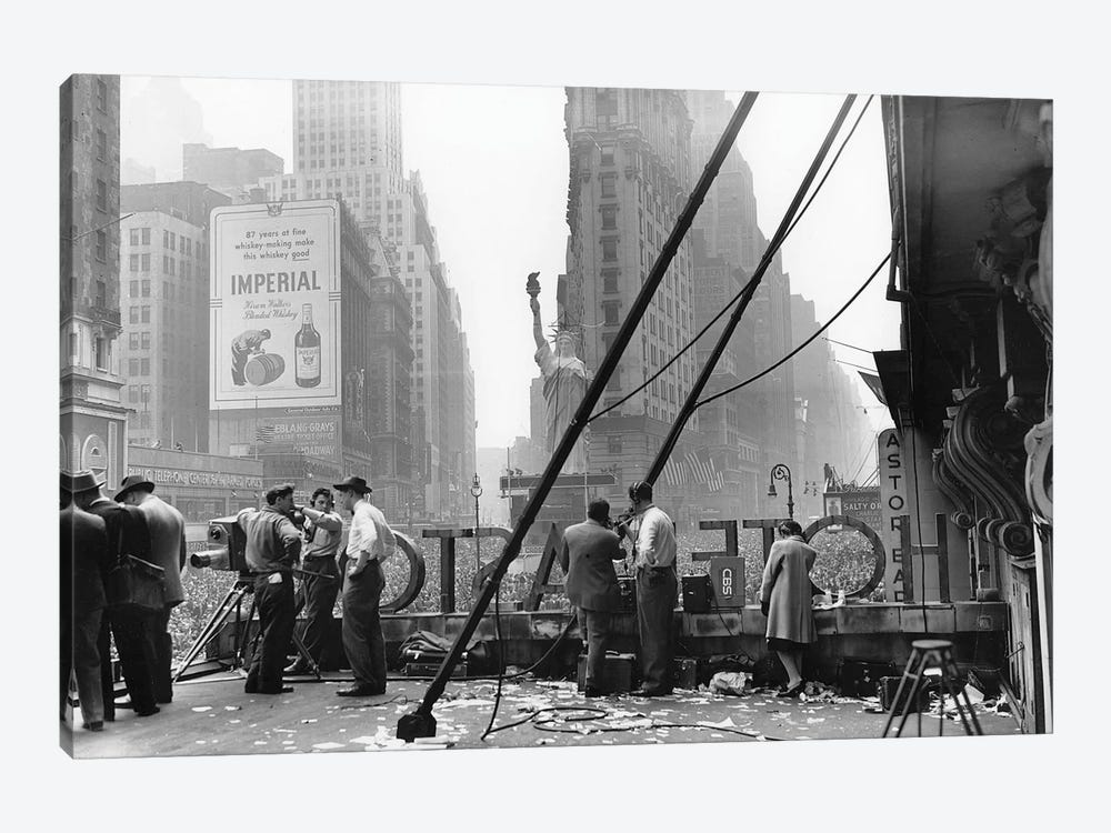 V-E Day (Times Square, NYC 1945) by Ruth Orkin 1-piece Canvas Artwork