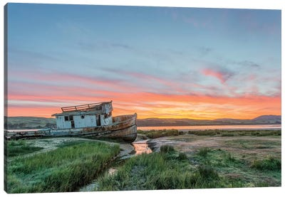 USA, California, Point Reyes National Seashore, Shipwreck sunrise Canvas Art Print