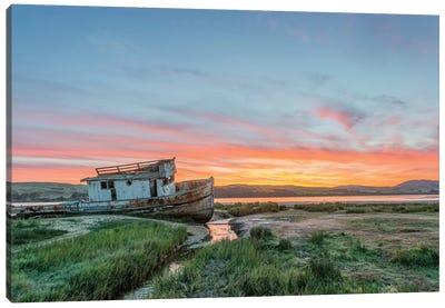 USA, California, Point Reyes National Seashore, Shipwreck sunrise Canvas Art Print