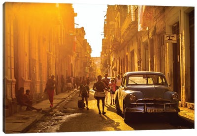 Another Street Scene In Havana Canvas Art Print