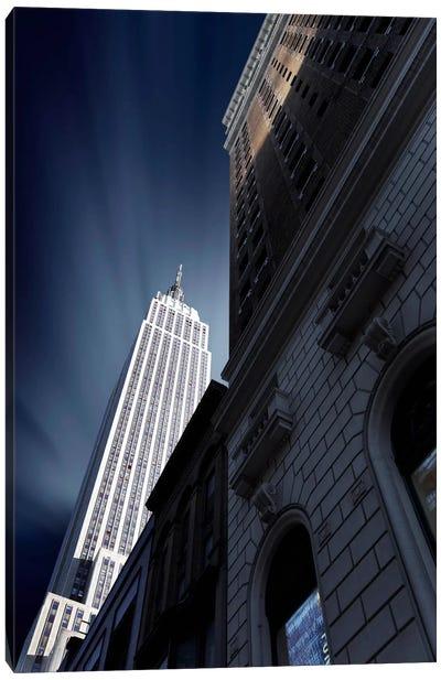 The Skyscraper of NYC Canvas Print #SDG100