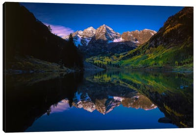 Autumn At Maroon Bells Canvas Art Print
