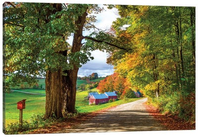 Farm In Vermont New England In Autumn Canvas Art Print