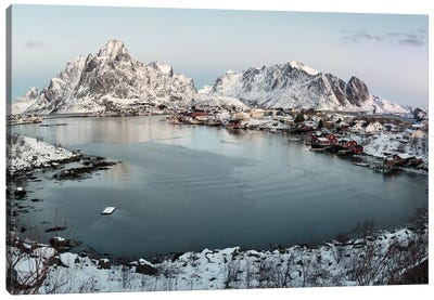 Reine Canvas Art Print