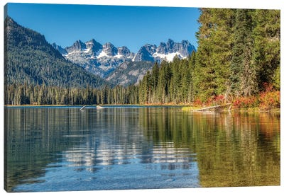 USA, Washington State. Cooper Lake in Central Washington, Cascade Mountains reflecting in calm waters. Canvas Art Print