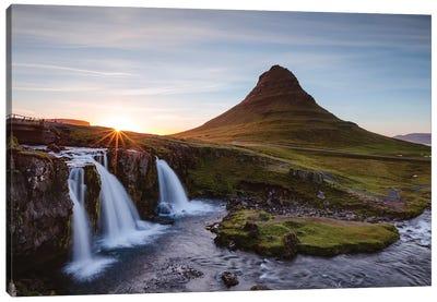 Iconic Kirkjufell, Iceland I Canvas Art Print