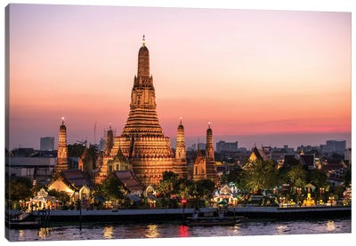 Wat Arun (Temple Of Dawn) In Bangkok Canvas Art Print