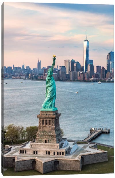 Statue Of Liberty, New York City, New York, USA Canvas Art Print