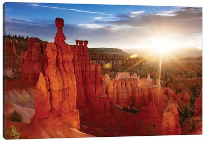 Sunrise, Thor's Hammer, Bryce Canyon National Park, Utah, USA Canvas Art Print