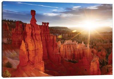 Sunrise, Thor's Hammer, Bryce Canyon National Park, Utah, USA Canvas Art Print