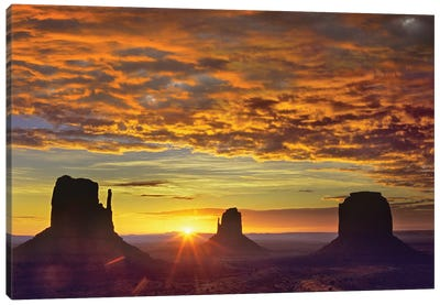 The Mittens And Merrick Butte At Sunrise, Monument Valley, Arizona Canvas Art Print