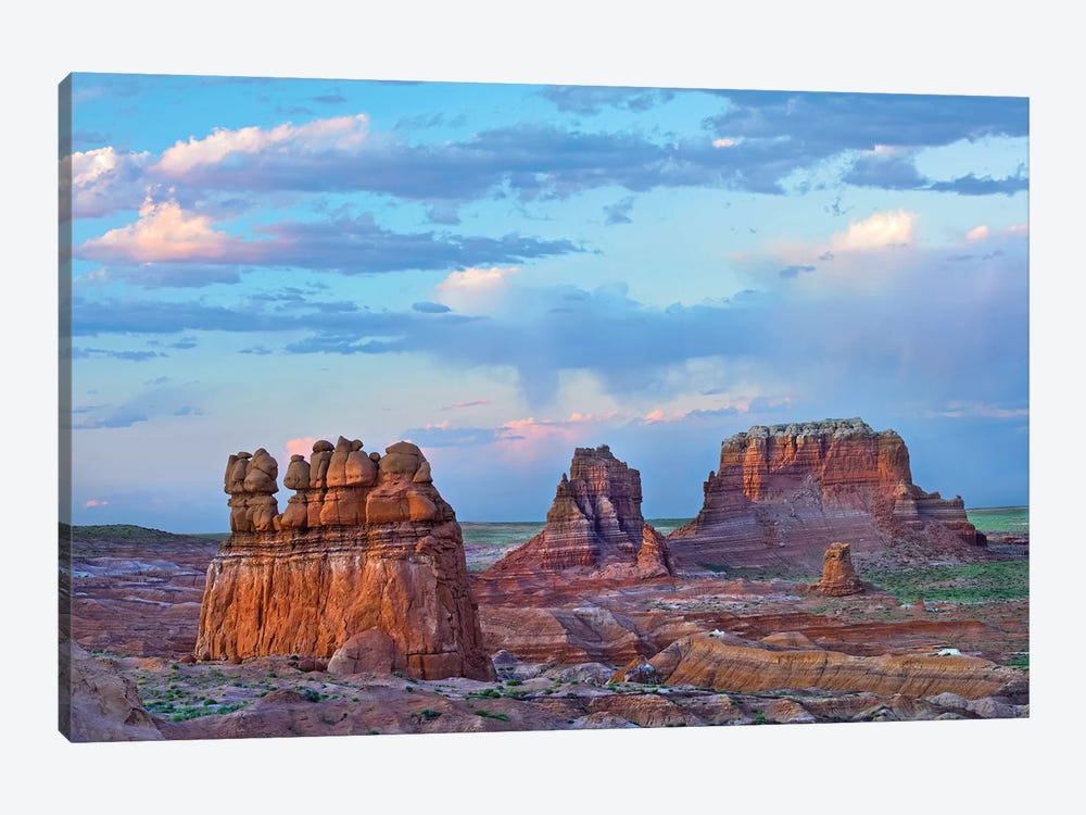 Eroded Buttes In Desert, Bryce Canyon National Park, Utah 1-piece Canvas Art Print