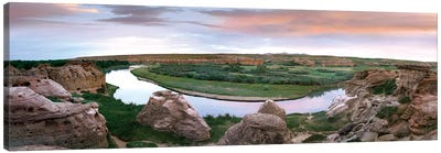 Bend In The Milk River, Writing-On-Stone Provincial Park, Alberta, Canada Canvas Art Print